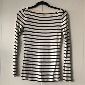 Vertical black and white striped long sleeve shirt